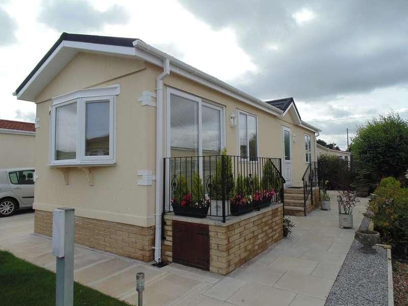 2 Bedrooms Park Home Mobile Home for sale in WV1031, Wyre Vale Park, Garstang, Lancashire, PR3 1PL