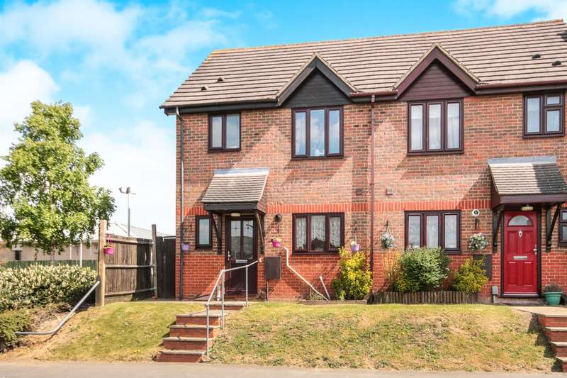 3 Bedrooms Semi Detached House for sale in Pegrams Road, Harlow, CM18