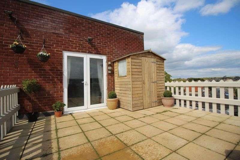 2 Bedrooms Flat for sale in Grammar School Walk, Huntingdon, Cambridgeshire.
