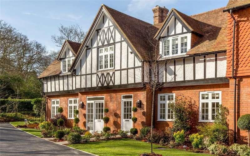 2 Bedrooms Maisonette Flat for sale in Westerham Road, Keston, Kent, BR2