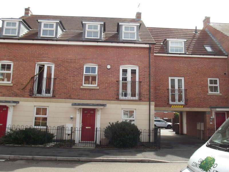 4 Bedrooms Town House for rent in Griffiths Way, Hucknall
