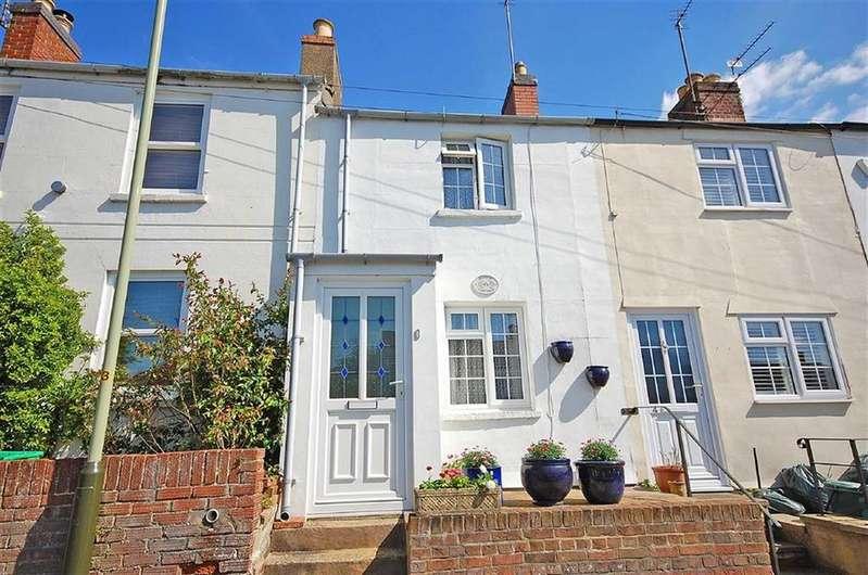 2 Bedrooms Terraced House for sale in Hamilton Street, Charlton Kings, Cheltenham, GL53