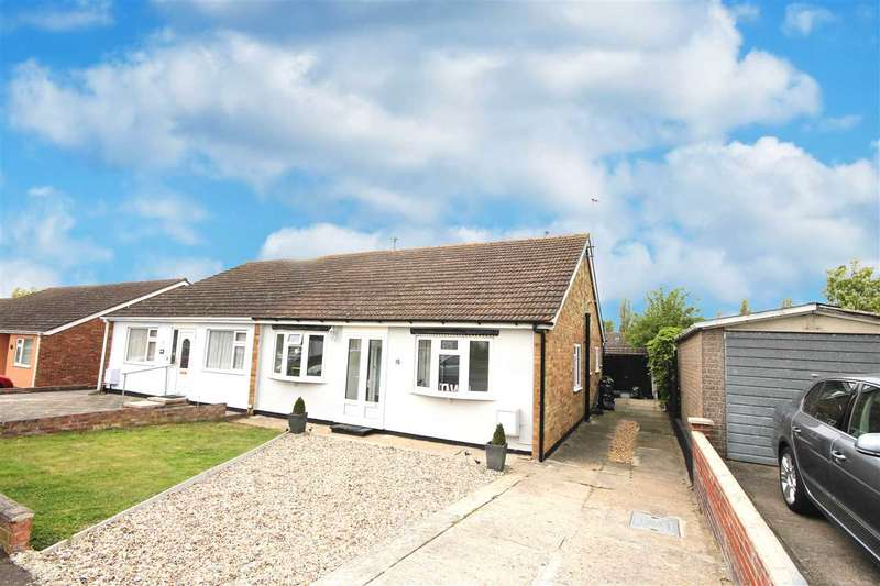 3 Bedrooms Bungalow for sale in Thornberry Avenue, Weeley