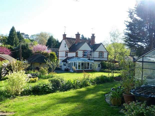4 Bedrooms Semi Detached House for sale in Henley-on-Thames, Oxfordshire