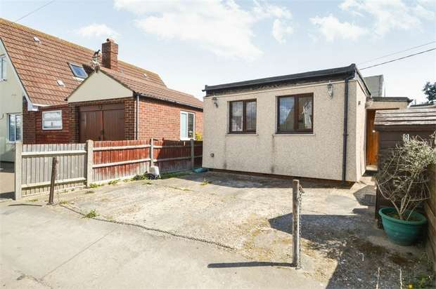 2 Bedrooms Detached Bungalow for sale in Sea Way, Jaywick, Clacton-on-Sea, Essex