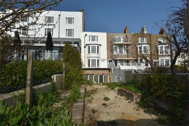 4 Bedrooms Terraced House for sale in Albion Street, Broadstairs, Kent