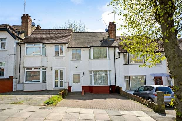 3 Bedrooms Terraced House for sale in Robin Hood Way, Greenford, Middlesex