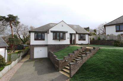 3 Bedrooms Bungalow for sale in Trem Y Coed, Tyn-Y-Groes, Conwy, LL32