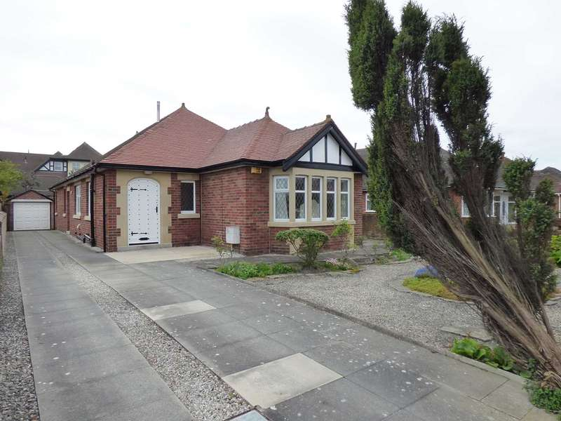 3 Bedrooms Detached Bungalow for sale in St.Thomas Road, St Annes