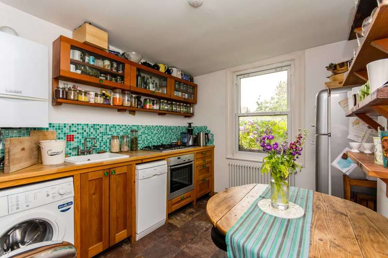 2 Bedrooms Maisonette Flat for sale in Torbay Road, Brondesbury, NW6