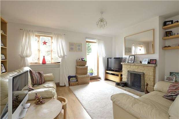 3 Bedrooms Terraced House for sale in Pembroke Place, BAMPTON, Oxfordshire, OX18