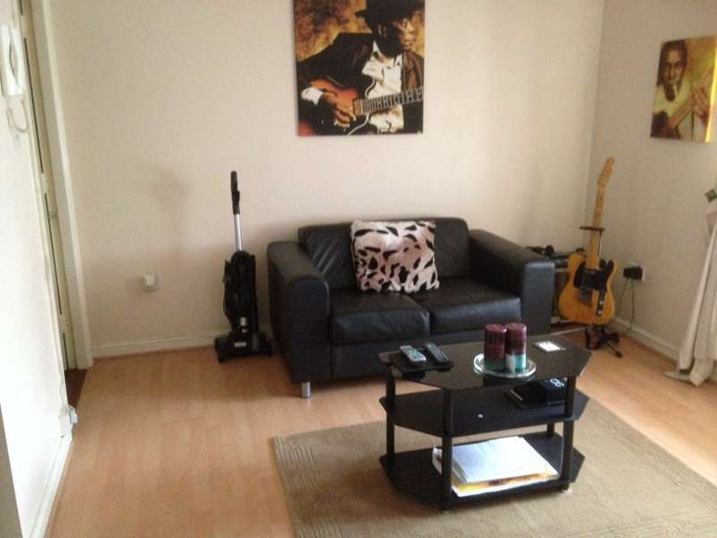 1 Bedroom Flat for sale in Jetty Walk, RM17 6PQ