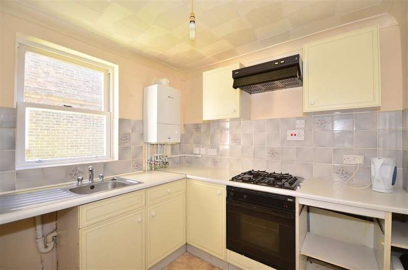 2 Bedrooms Ground Flat for sale in Great Preston Road, Ryde, Isle of Wight
