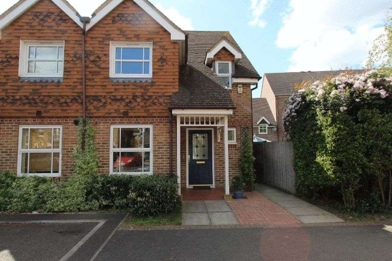 3 Bedrooms Semi Detached House for sale in Burns Close, Carshalton Beeches
