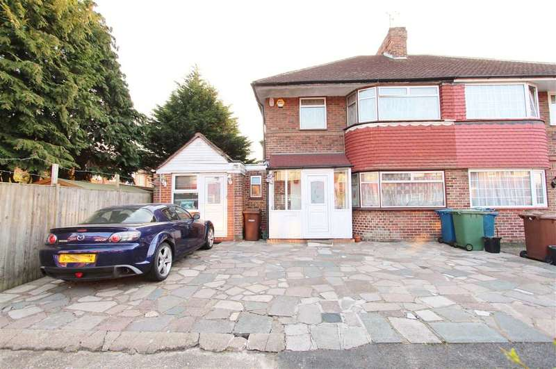 4 Bedrooms Semi Detached House for sale in Cheyneys Avenue, Stanmore
