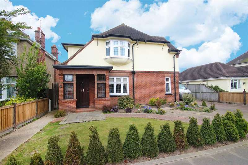 5 Bedrooms Detached House for sale in Eastcliff Avenue, East Clacton