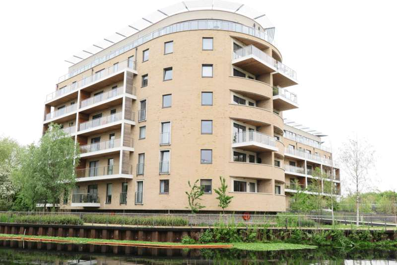 2 Bedrooms Apartment Flat for sale in Essex Wharf, Hackney E5