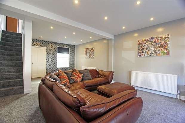 3 Bedrooms Terraced House for sale in Rock Road, Sittingbourne, Kent