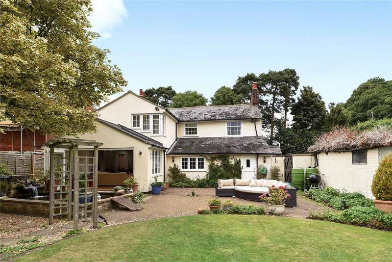 3 Bedrooms Detached House for sale in Bedford Road, Aspley Guise, Bedfordshire, MK17