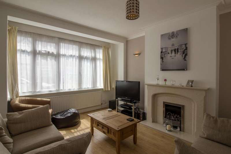 3 Bedrooms Terraced House for sale in Highbarrow Road, Addiscombe, CR0