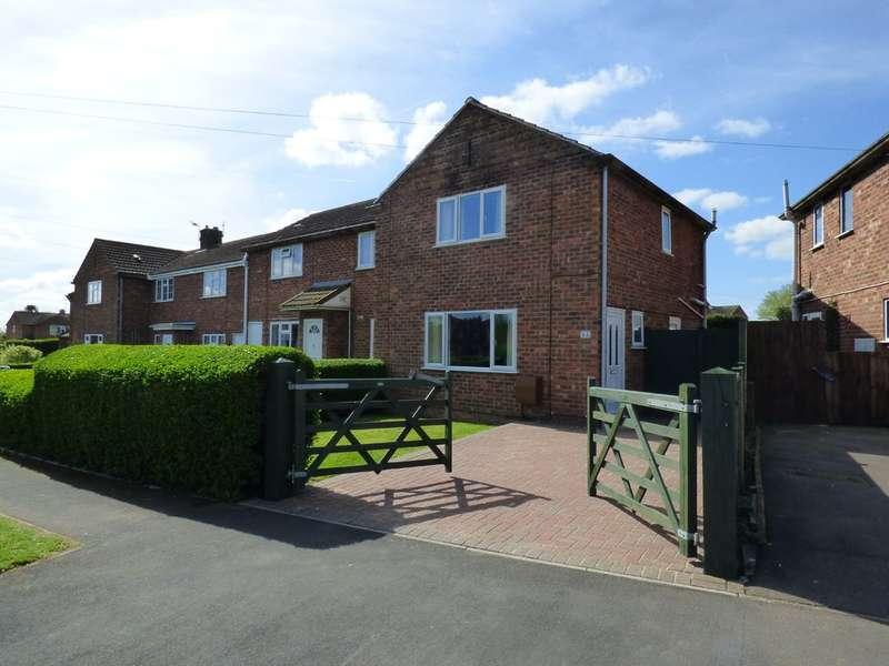 2 Bedrooms Semi Detached House for sale in Kingsley Road, Bishops Tachbrook