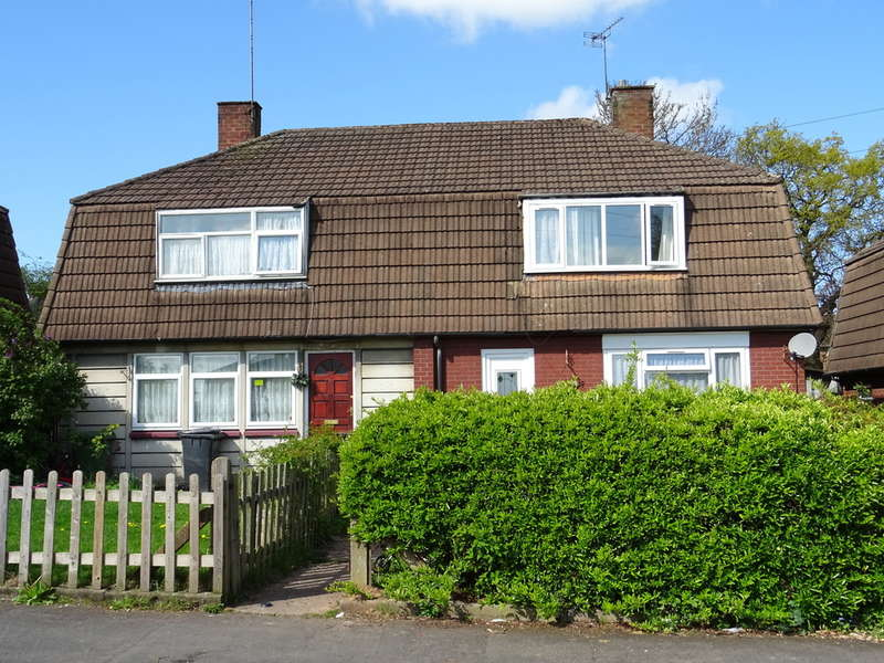 3 Bedrooms Terraced House for sale in Old Winnings Road, Keresley , Coventry