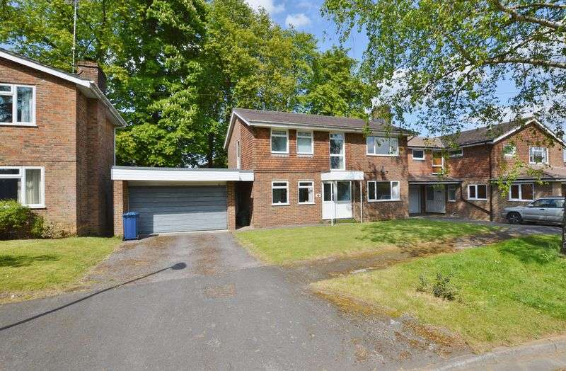 4 Bedrooms Detached House for sale in Maryvale, Godalming