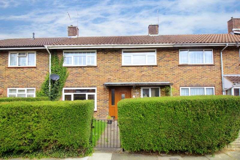 3 Bedrooms Terraced House for sale in Brookside, Crawley