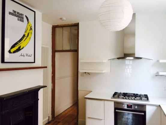 2 Bedrooms Flat for sale in Newton Avenue, London, Greater London, W3 8AP