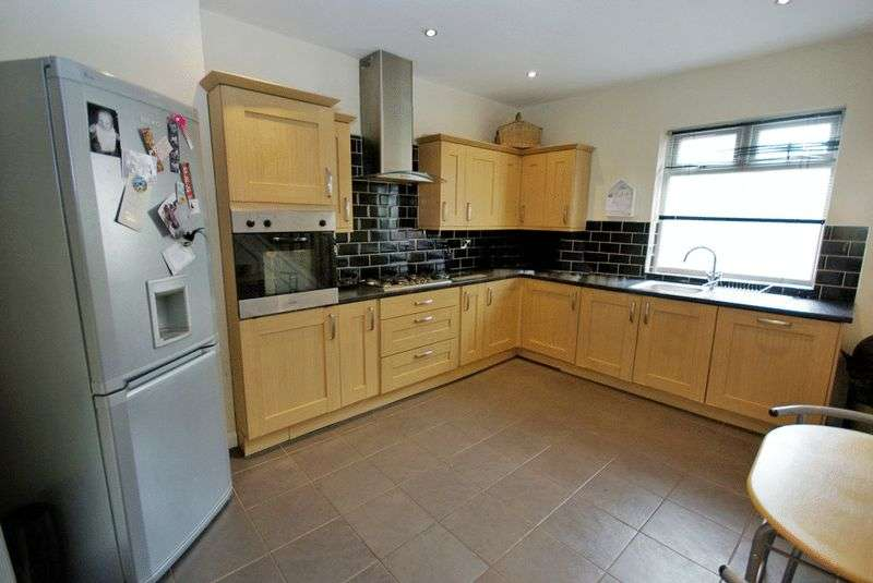 2 Bedrooms House for sale in Commercial Street, Crook, Durham DL15
