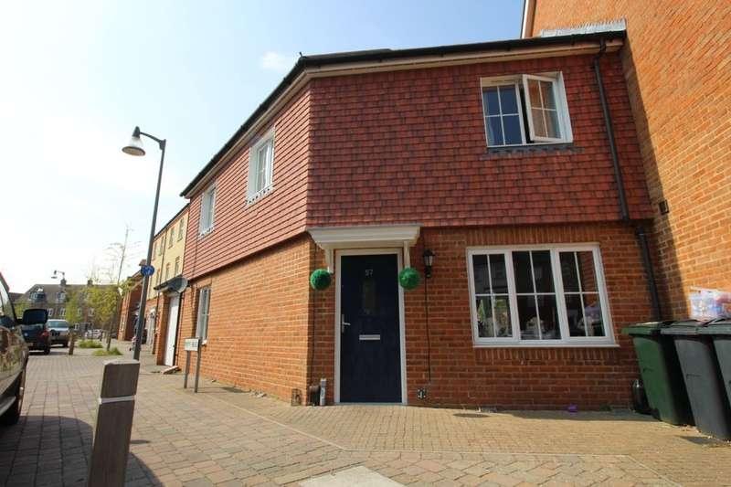 3 Bedrooms Property for sale in Poppy Mead, Kingsnorth, Ashford, TN23