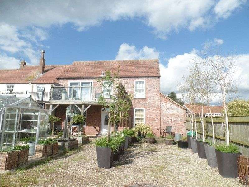 Property for sale in Stokesby, NR29