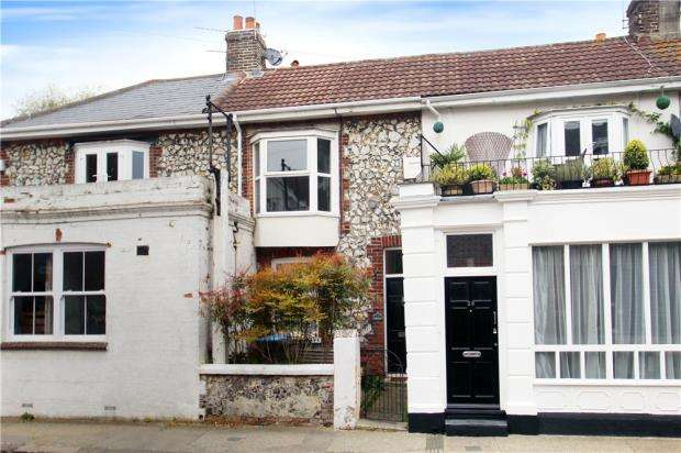 3 Bedrooms Terraced House for sale in River Road, Littlehampton, West Sussex, BN17