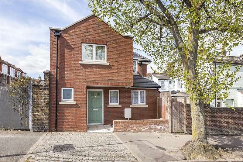 2 Bedrooms Detached House for sale in Wyndcliff Road, London, SE7