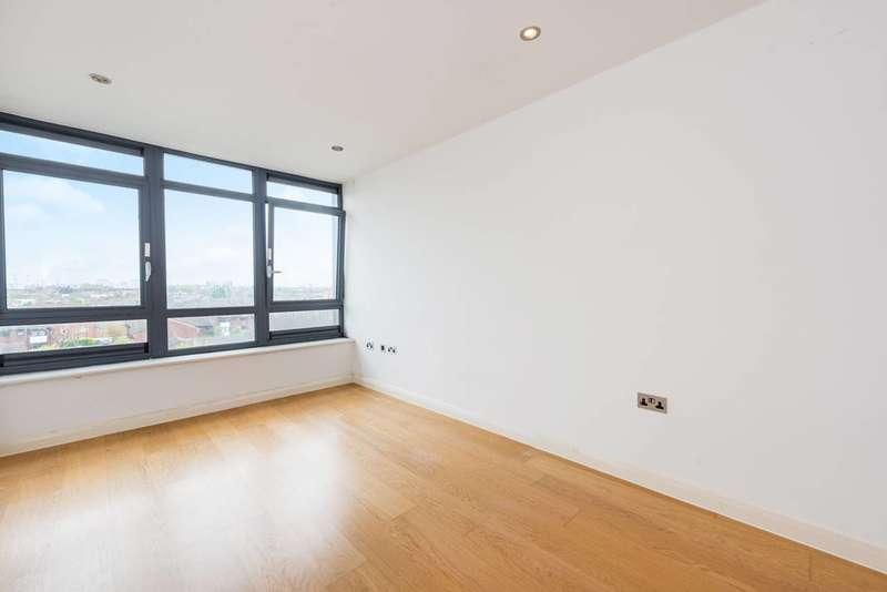 2 Bedrooms Flat for sale in Larden Road, Acton, W3