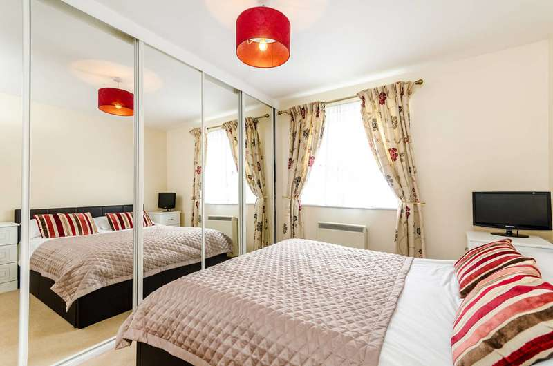 2 Bedrooms Flat for sale in Winery Lane, Kingston, KT1