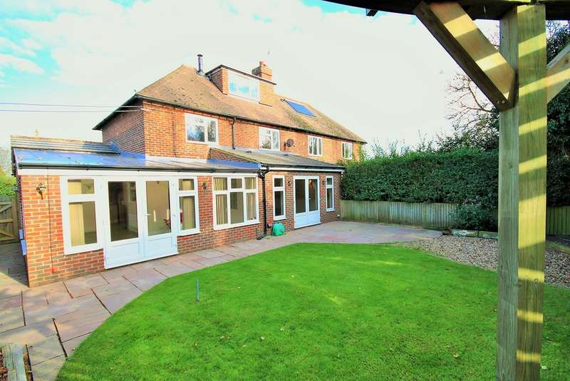 4 Bedrooms Semi Detached House for sale in Desmond Crescent, Faversham