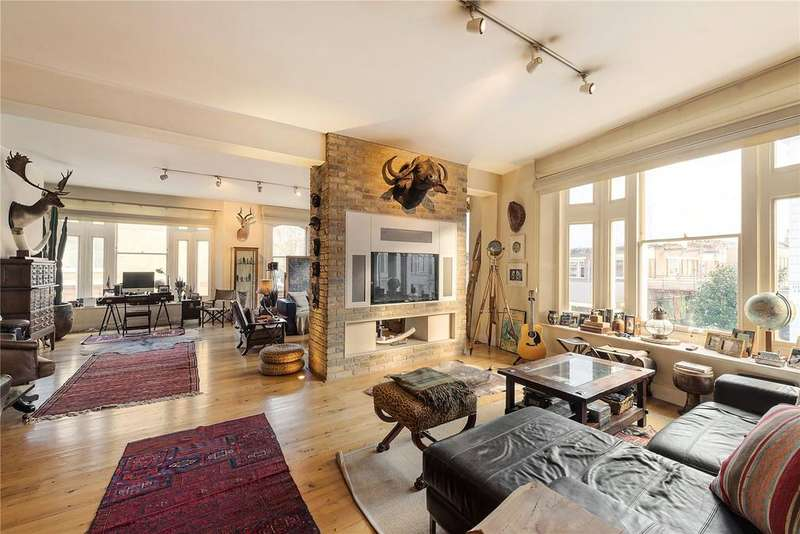 3 Bedrooms Flat for sale in Roland Mansions, Old Brompton Road, South Kensington, London