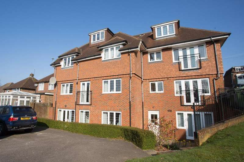 2 Bedrooms Apartment Flat for sale in Isabelle Court, Heathfield, East Sussex, TN21 8LL