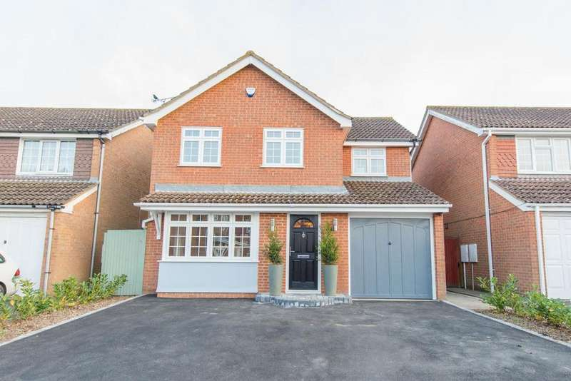 3 Bedrooms Detached House for sale in Lyle Court, Maidstone, Kent