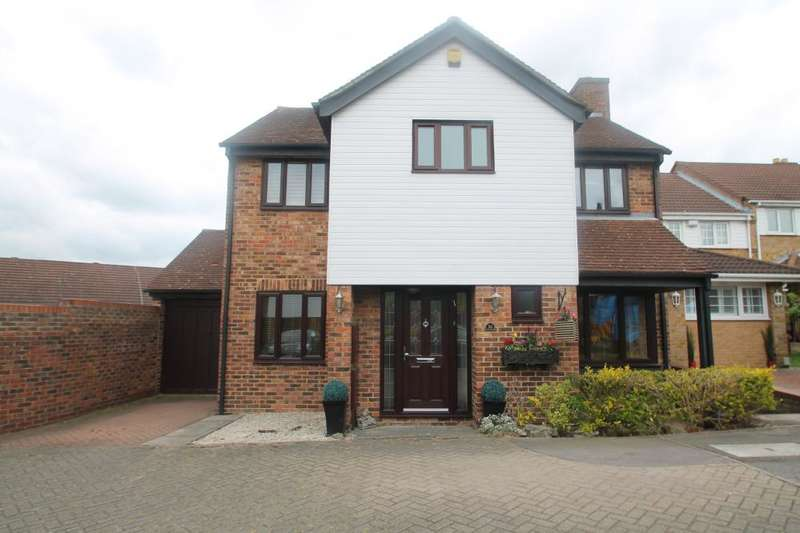 4 Bedrooms Detached House for sale in MORGAN WAY, GWYNNE PARK, WOODFORD GREEN