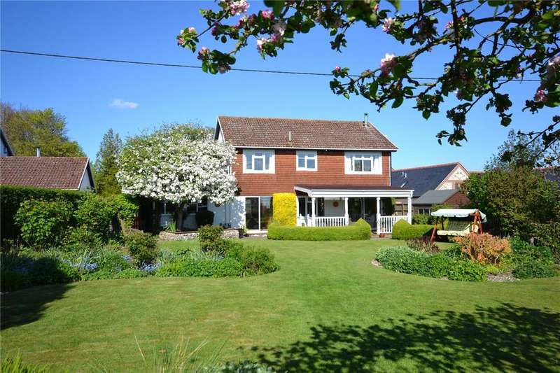 4 Bedrooms Detached House for sale in East Woodyates, Salisbury