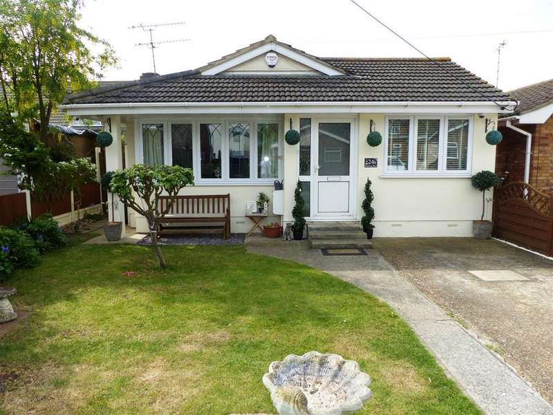 2 Bedrooms Detached Bungalow for sale in Strasbourg Road, Canvey Island