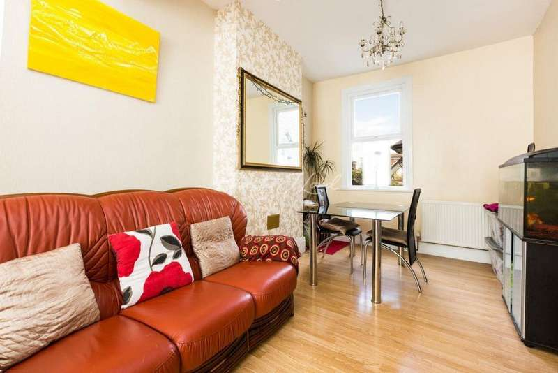 3 Bedrooms Terraced House for sale in Colne Road, Clapton, E5