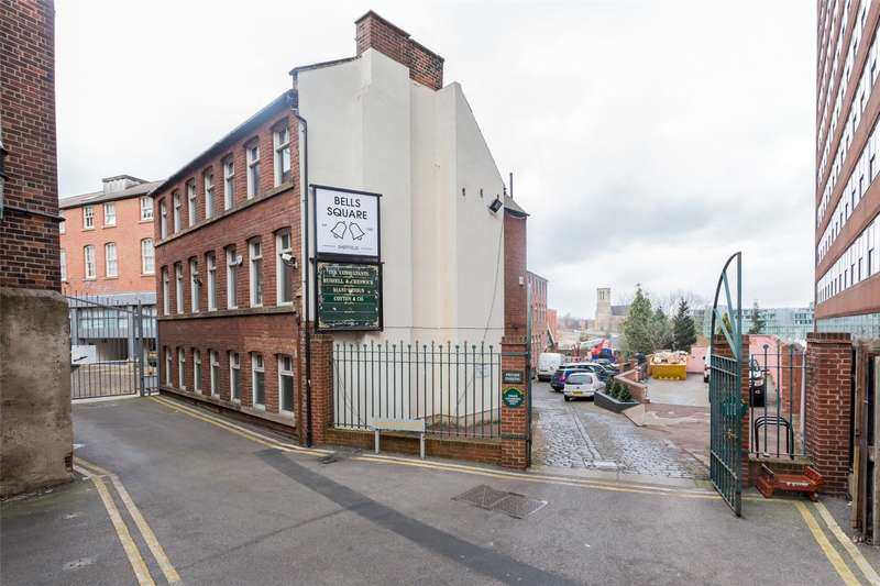 5 Bedrooms Flat for rent in Bells Square, Sheffield, South Yorkshire, S1