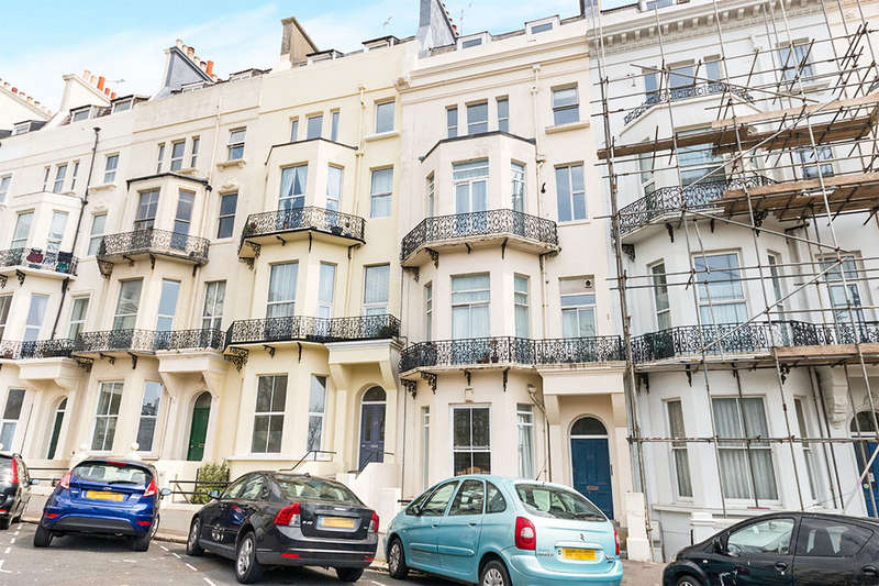 1 Bedroom Flat for sale in Warrior Square, St. Leonards-On-Sea, TN37