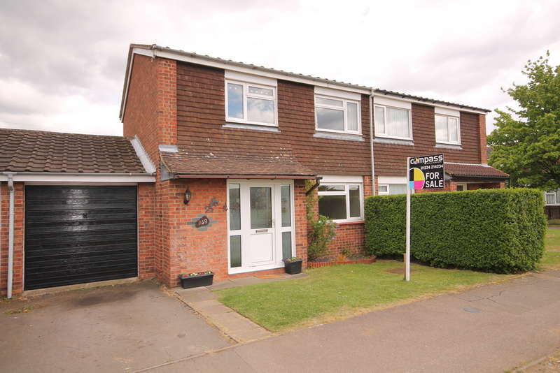 3 Bedrooms Semi Detached House for sale in Needwood Road, Bedford, MK41
