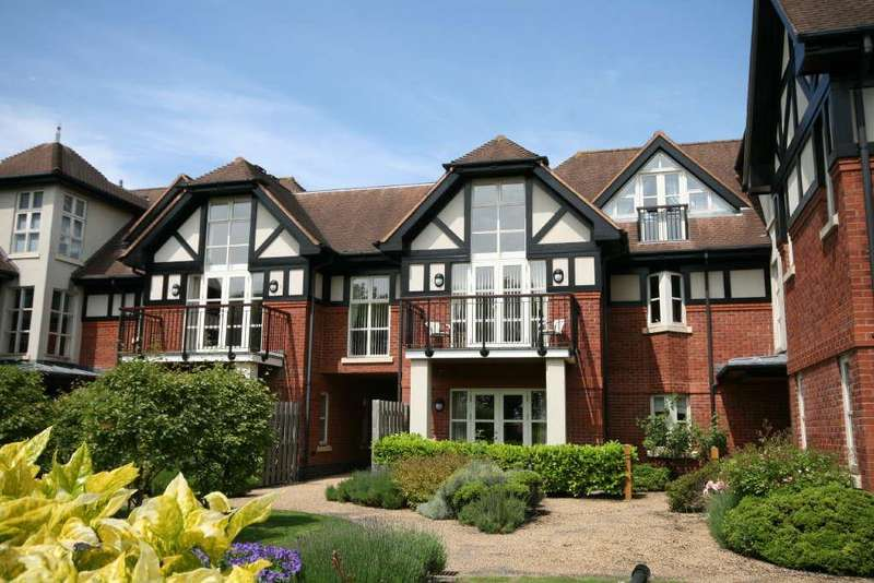 3 Bedrooms Flat for sale in 13 The Royals, Links Gate, Lytham St. Annes