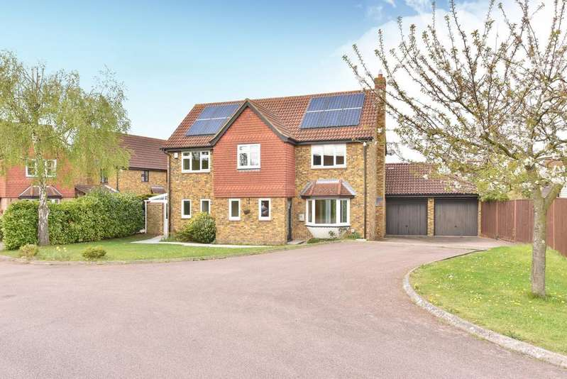 4 Bedrooms Detached House for sale in Harrow Gardens Orpington BR6