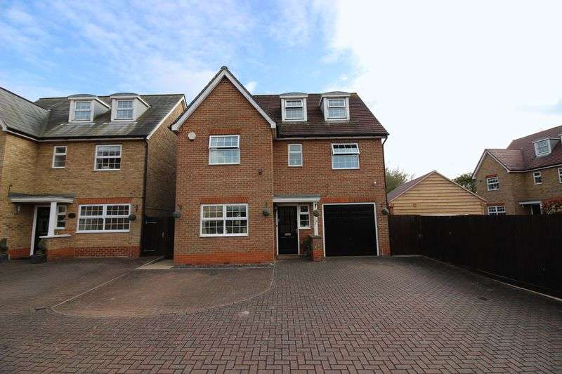 5 Bedrooms Detached House for sale in Malkin Drive, Church Langley, Harlow, CM17